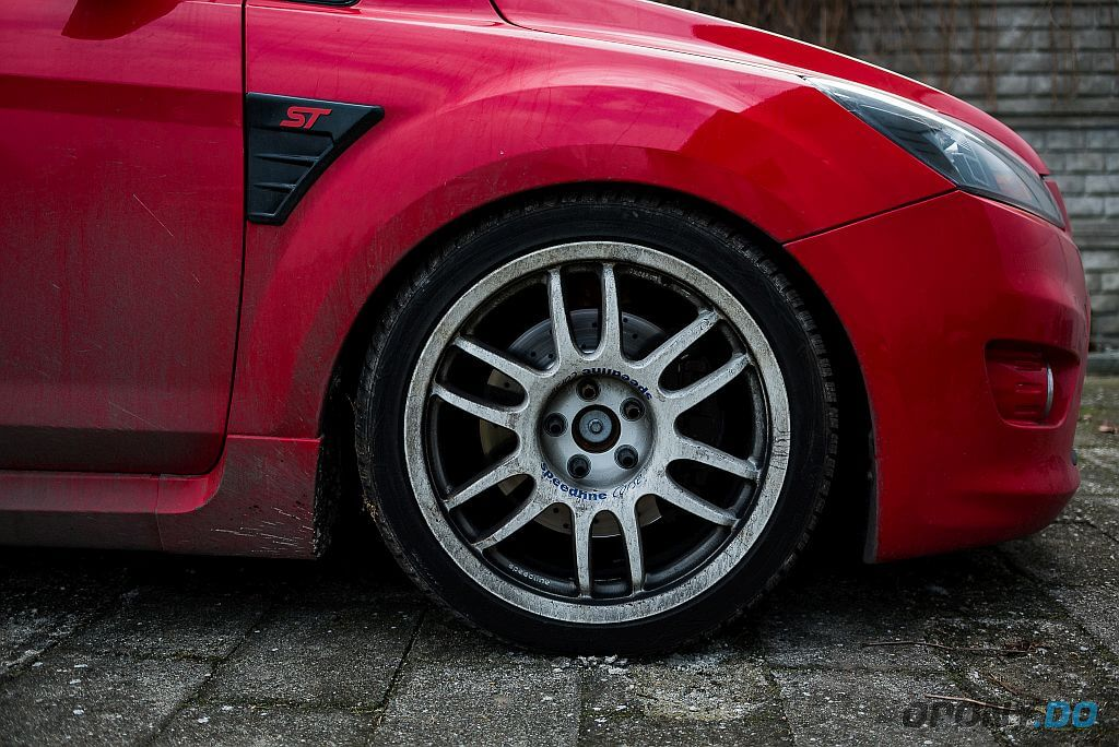 Ford Focus ST - brudne koło