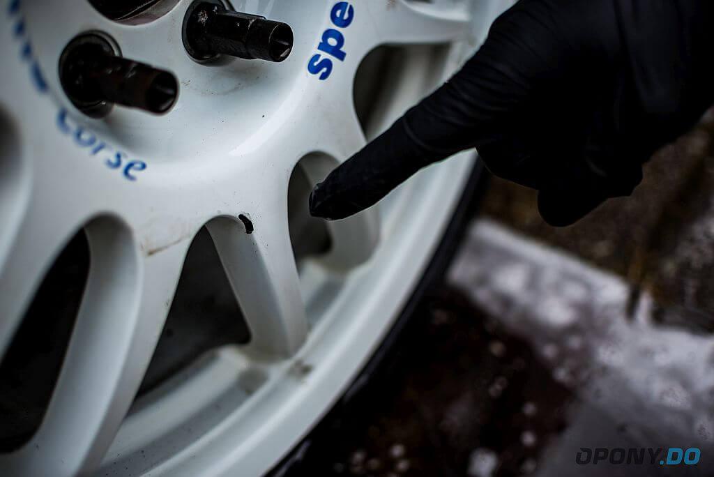 Ford Focus ST - brudne koło - ślady smoły
